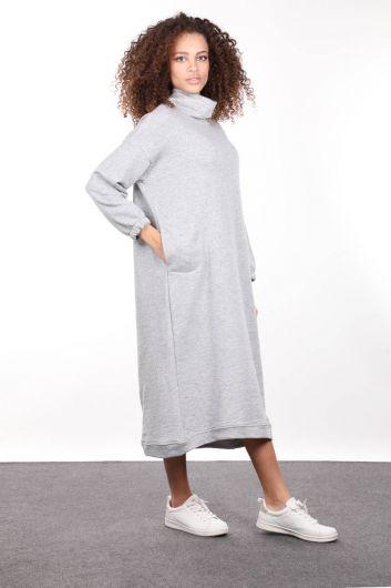 MARKAPIA WOMAN - فستان نسائي بياقة مدورة رمادية اللون (1)