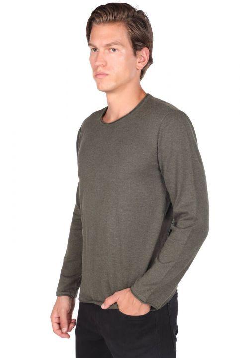 Зеленый мужской свитер с круглым вырезом