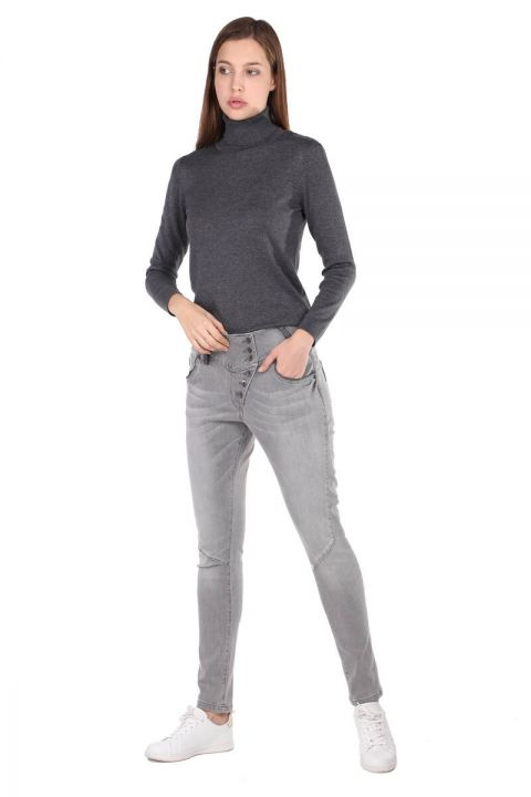 Gri Düğme Detaylı Slim Fit Kadın Jean Pantolon