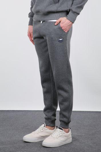 MARKAPIA - بدلة رياضية باللون الرمادي Raised Jogger للرجال (1)