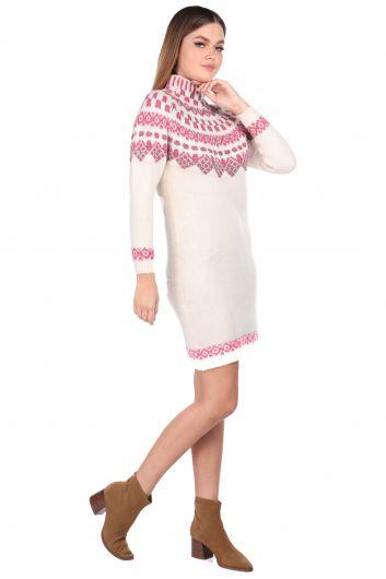 MARKAPIA WOMAN - Розовый женский трикотажный свитер с воротником под горло (1)