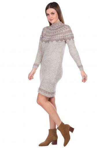 MARKAPIA WOMAN - Бежевый женский трикотажный свитер с воротником под горло (1)