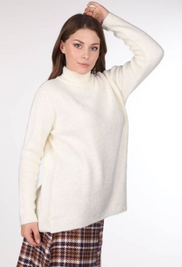 MARKAPIA WOMAN - Turtleneck Ecru Sweater (1)