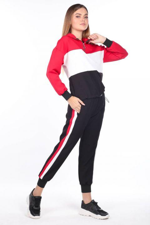 Женский резиновый спортивный костюм с капюшоном