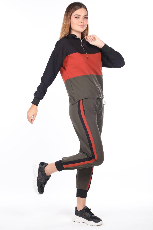 Женский спортивный костюм цвета хаки с резиновым капюшоном