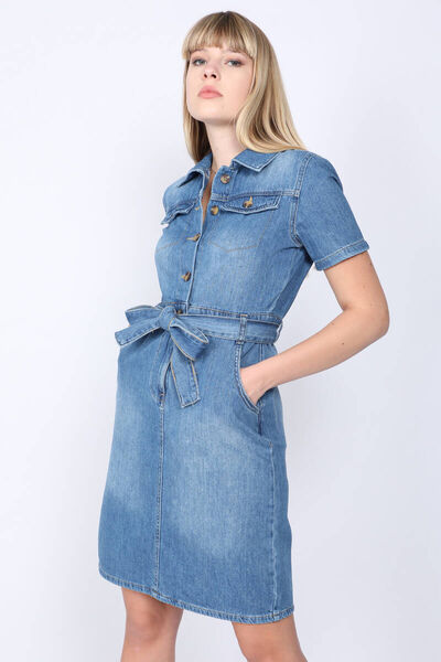 BLUE WHITE - Kadın Açık Mavi Kemerli Kısa Kollu Jean Elbise (1)