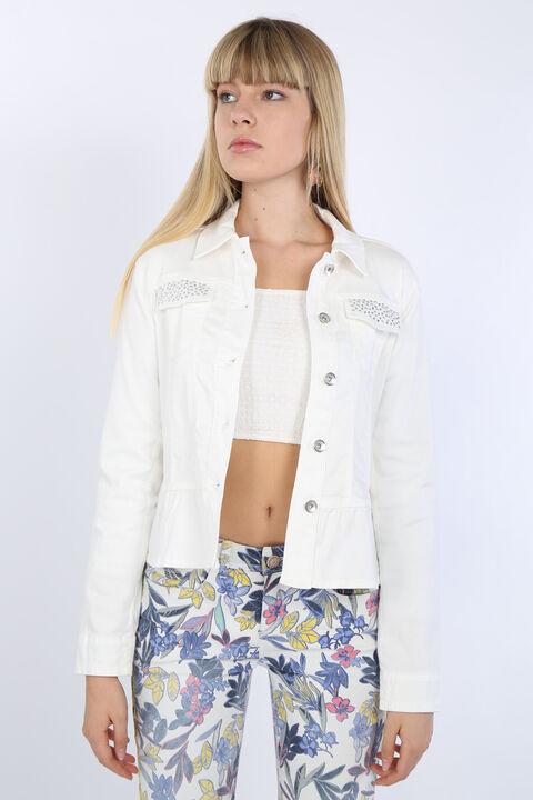 Kadın Beyaz Büzgü Detaylı Taşlı Ceket
