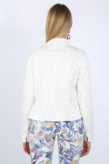 Kadın Beyaz Büzgü Detaylı Taşlı Ceket - Thumbnail