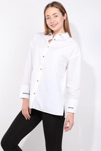 Kadın Beyaz Yırtmaçlı Boyfriend Gömlek - Thumbnail