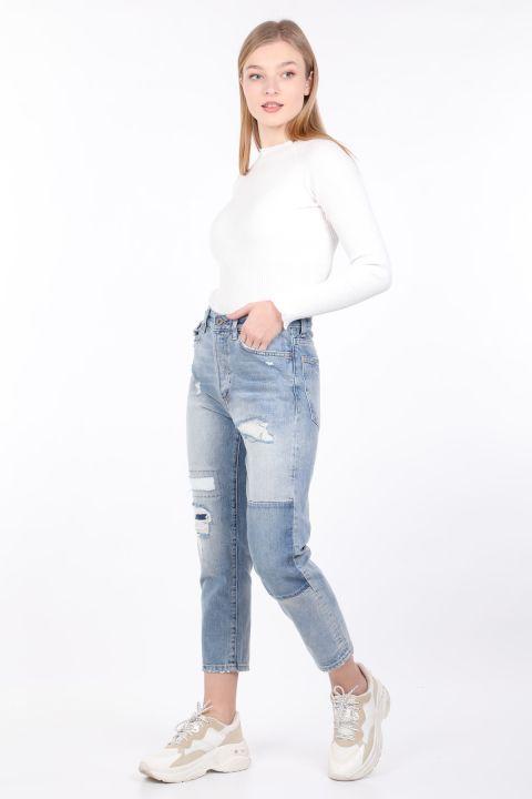 Kadın Mavi Yırtık Düz Kesim Jean Pantolon