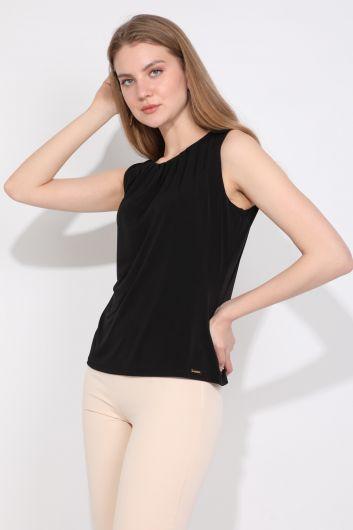 MARKAPIA WOMAN - Kadın Yakası Pileli Kolsuz Bluz Siyah (1)
