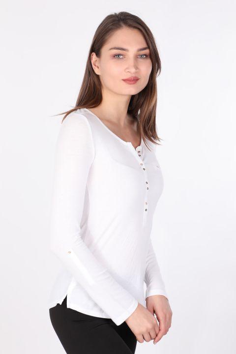 Kadın Yarım Düğmeli Uzun Kollu Basic T-shirt Beyaz