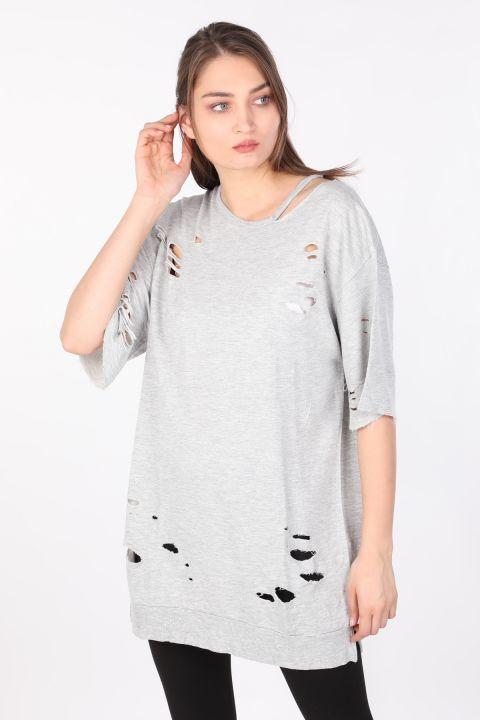 Kadın Yırtık Detaylı Basic T-shirt Gri