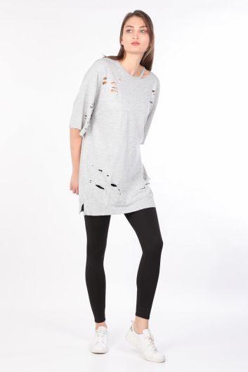 Kadın Yırtık Detaylı Basic T-shirt Gri - Thumbnail