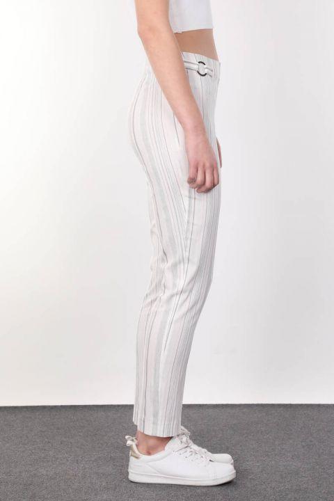 Kemer Toka Detaylı Çizgili Dökümlü Kadın Kumaş Pantolon