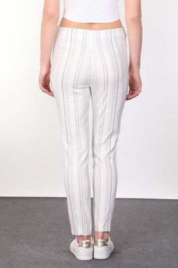 Kemer Toka Detaylı Çizgili Dökümlü Kadın Kumaş Pantolon - Thumbnail