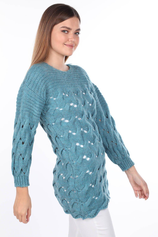 Вязаный длинный синий женский трикотажный свитер