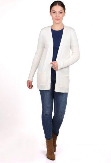 Белый женский вязаный кардиган с открытыми передними карманами - Thumbnail