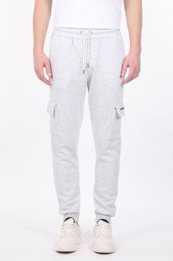Светло-серые мужские спортивные штаны-джоггеры с карманом карго с оболочкой - Thumbnail