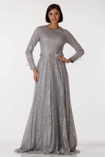 فستان سهرة طويل باللون الرمادي الفضي بأكمام طويلة - Thumbnail