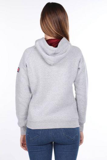 MARKAPIA WOMAN - London England Aplikeli İçi Polarlı Açık Gri Kapüşonlu Kadın Sweatshirt (1)