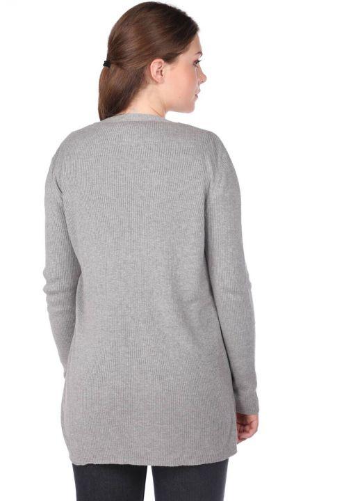 Серый женский трикотажный кардиган с открытыми передними карманами