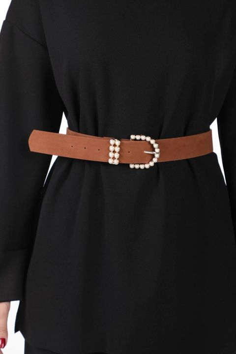 حزام من الجلد المدبوغ بحجر اللؤلؤ من ماركابيا