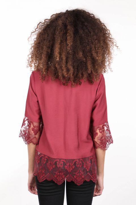 Бордовая женская рубашка на пуговицах с двумя шлепками и шнуровкой