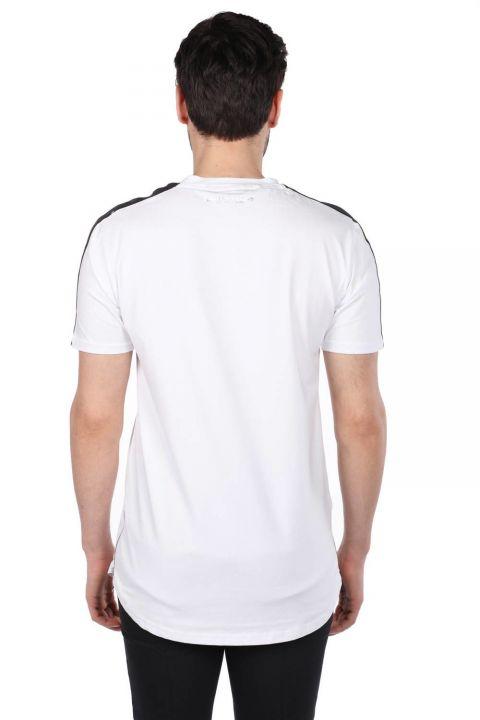 Белая мужская футболка с круглым вырезом на молнии с принтом