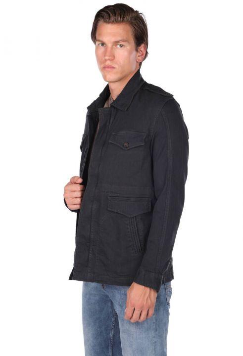 Черная прямая мужская куртка с воротником
