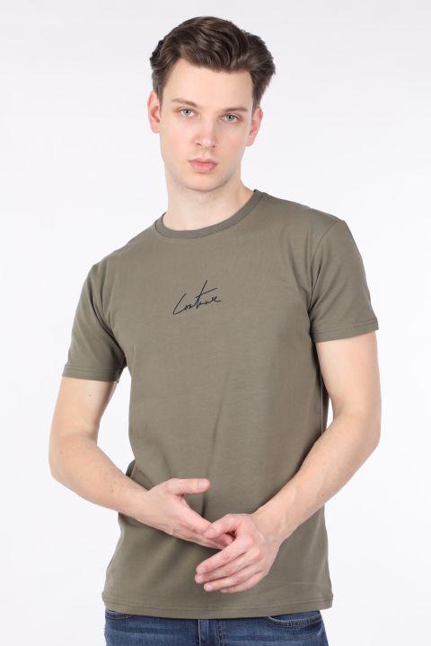 Мужская футболка с круглым вырезом на спине и принтом цвета хаки