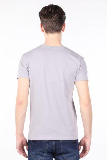 Мужская светло-серая футболка с круглым вырезом - Thumbnail