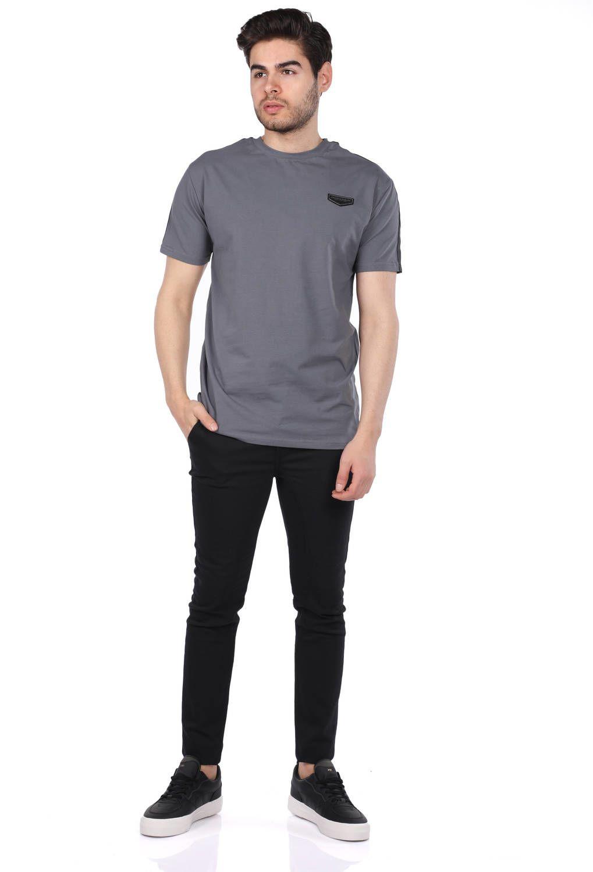 Копченая мужская футболка с круглым вырезом и эмблемой