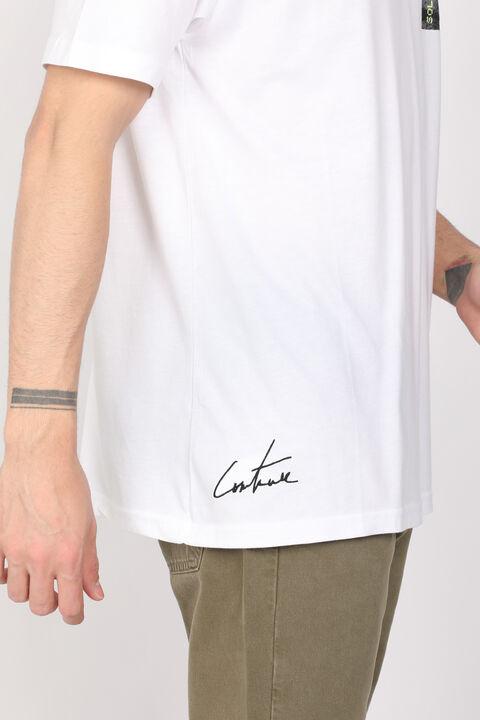 Мужская белая футболка с круглым вырезом