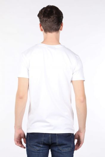 Мужская белая футболка с круглым вырезом и принтом - Thumbnail