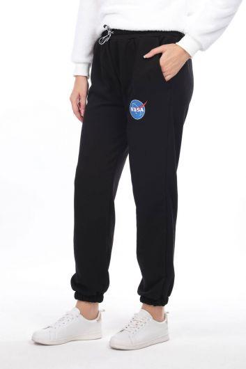 MARKAPIA WOMAN - بنطلون رياضي نسائي أسود مرن بطبعات من ناسا (1)
