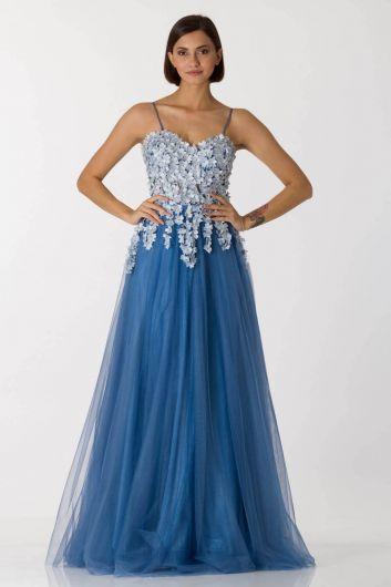 Синее длинное вечернее платье из тюля с тонкими бретелями - Thumbnail
