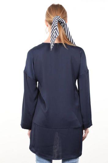 Темно-синяя атласная женская рубашка - Thumbnail