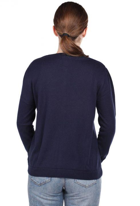 Темно-синий короткий женский трикотажный кардиган на пуговицах