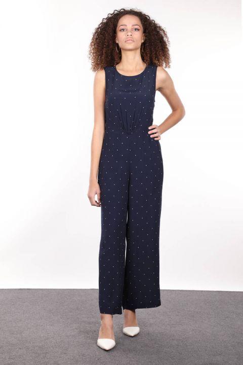 Женский комбинезон с широкими штанинами темно-синего цвета с рисунком звезд
