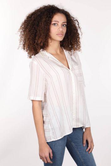 MARKAPİA WOMAN - Белая женская рубашка с коротким рукавом с вышивкой на воротнике (1)
