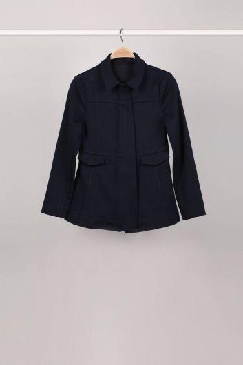 Темно-синяя женская куртка с разрезом на молнии - Thumbnail