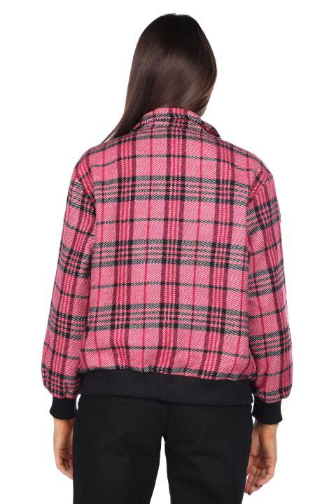 Розовая женская клетчатая куртка оверсайз