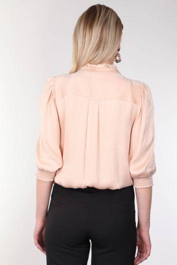 Женская блузка с пудровым воротником и оборками - Thumbnail