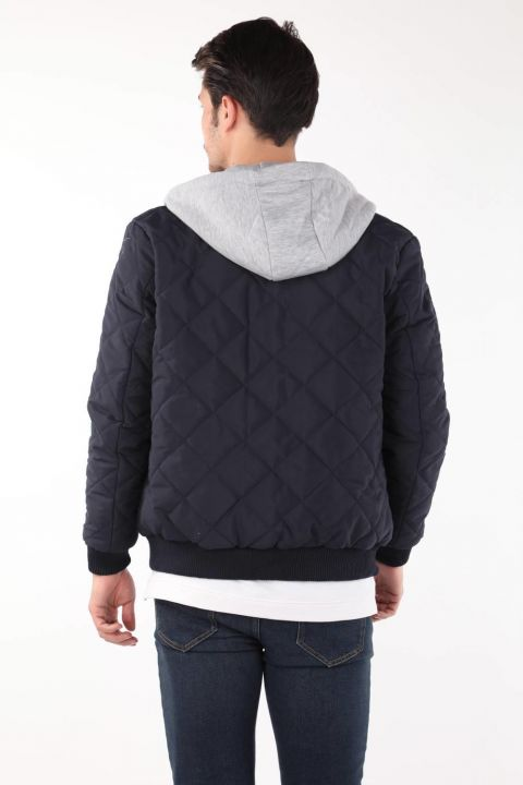 Стеганое пальто с капюшоном