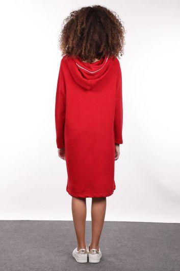 فستان أحمر طويل ذو قصة ضيقة وسحاب مقنعين - Thumbnail