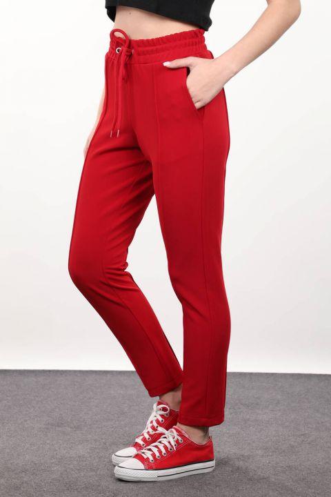 Красные брюки с завязками на талии