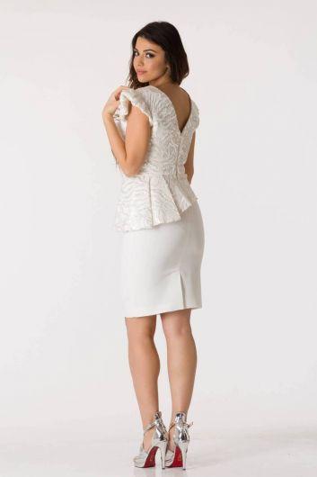 Белый вечерний костюм асимметричного кроя с V-образным вырезом - Thumbnail