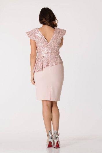 Розовый вечерний костюм асимметричного кроя с V-образным вырезом - Thumbnail