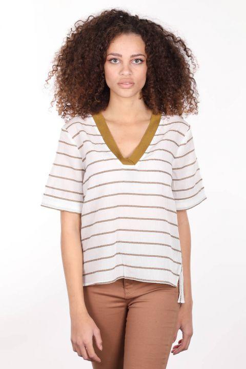 Ribbed White V Neck Short Sleeve Women Blouse